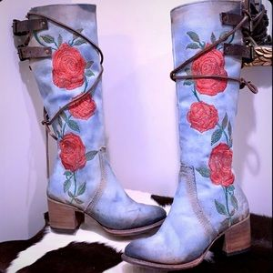FREEBIRD BY STEVEN NEW Cyrus Denim Red Roses Boots